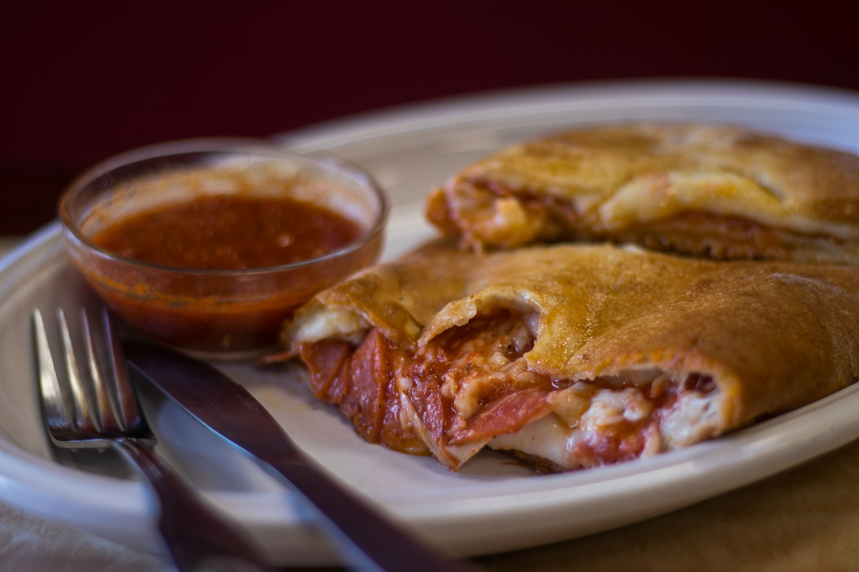 The Differences Between A Stromboli vs Calzone